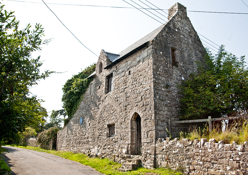 The Gatehouse and Columbarium (dovecot)
